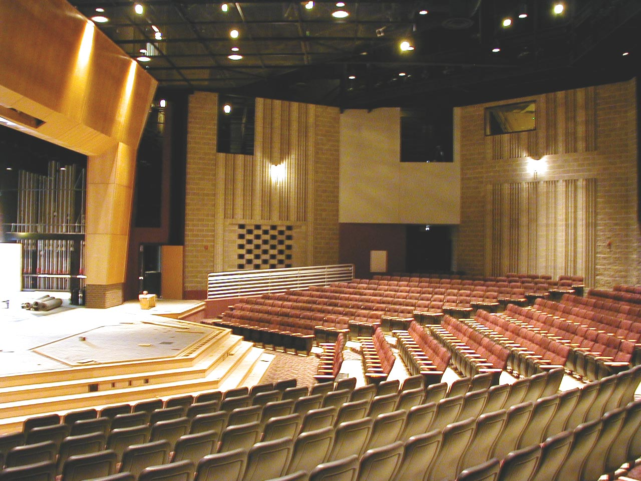 Featured secondary educational performing arts facilities